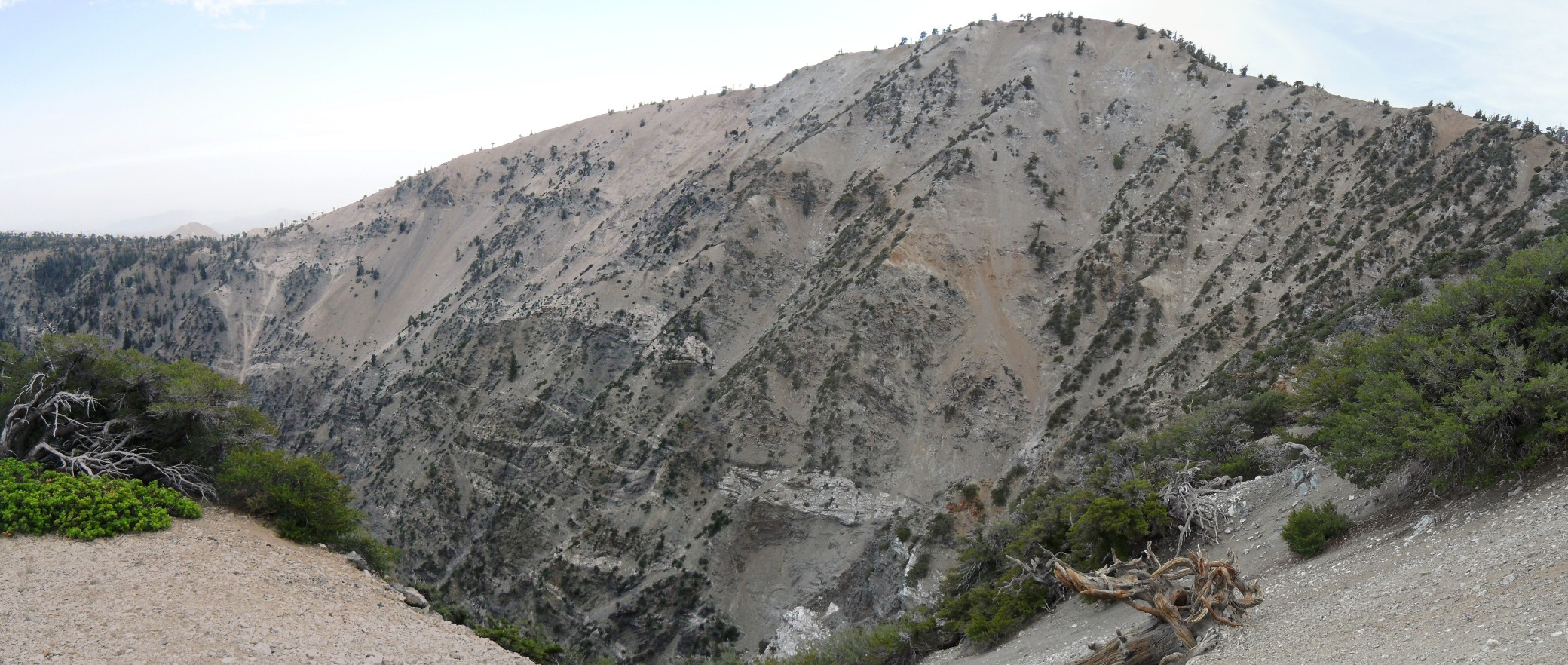 Mount Baden-Powell panorama from east ridge 4004